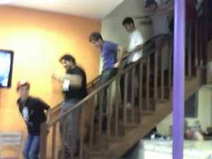 """Uma apoteose CH: fãs dançam a parte da escada de """"Que bonita a sua roupa"""""""